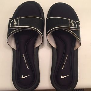 Women's mike sandals
